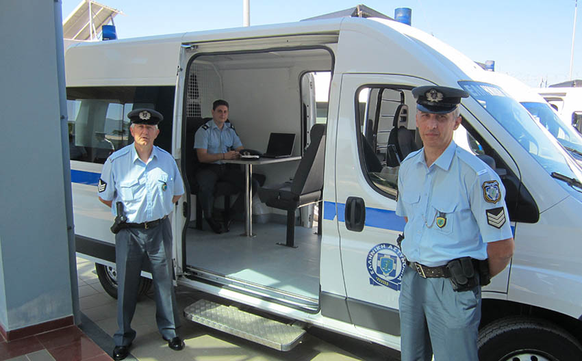 police-kinites-monades5