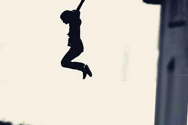 autoktonia-suicide-jump