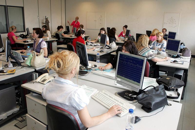 Άποψη από αίθουσα εισαγωγής δεδομένων φορολογικών δηλώσεων στην Γενική Γραμματεία Πληροφοριακών Συστημάτων του Υπουργείου Οικονομικών, Τρίτη 19 Μαΐου 2009.