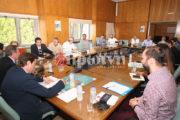Βγήκαν τα μαχαίρια για τον τουρισμό: Σύσκεψη στην Π.Ε. Ηλείας για την παρουσίαση του νέου προγράμματος προβολής