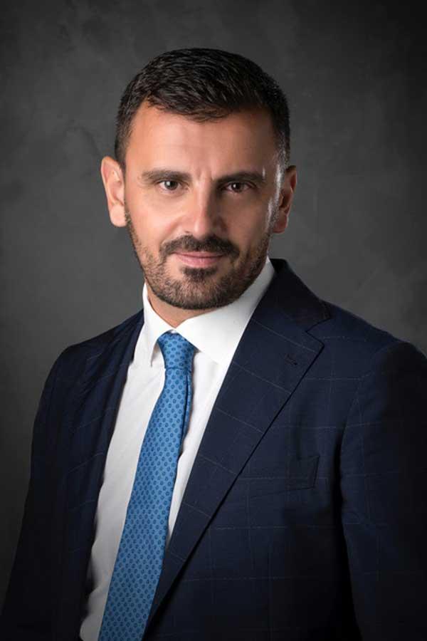 O Ανδρέας Νικολακόπουλος για τον ένα χρόνο από τον πρώτο νεκρό της πανδημίας | Εφημερίδα Πρωινή